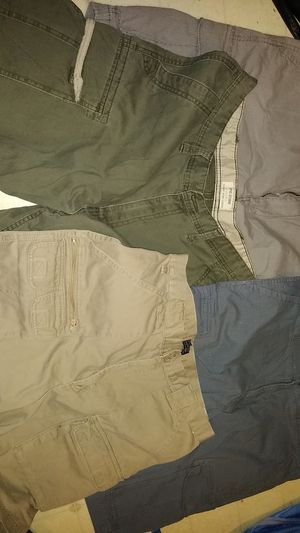 4 pairs of men's shorts with 6 pockets, Sonoma flexware,Saddlebred, & Epic Studio for Sale in Charlotte, NC