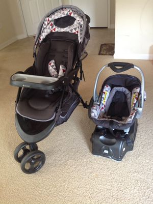 Infant car seat with stroller for Sale in Raleigh, NC