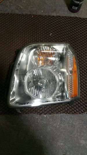 2008 Yukon denali headlight and grille for Sale in US