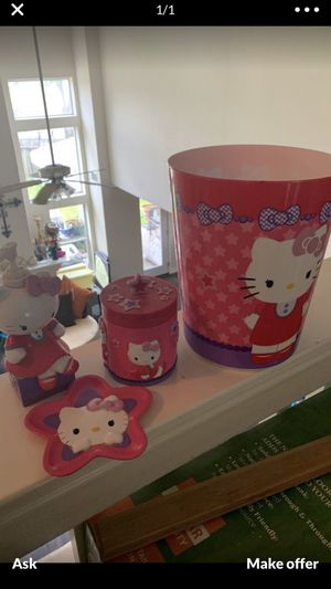 Hello kitty bathroom sets for Sale in Houston, TX
