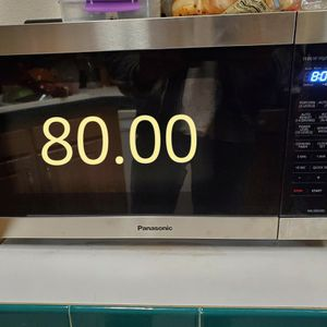 NEW Panasonic 1100w Microwave BRAND NEW. Model NN-SB658S for Sale in Riverside, CA