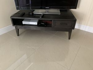 Dark Brown wood coffee table / tv stand for Sale in FL, US