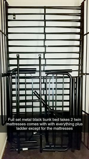 Like new bunk bed set black metal bolt up for Sale in Yucca Valley, CA