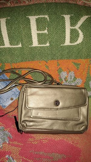 NEW SIMPLY VERA BY VERA WANG SMALL CROSSBODY WALLET for Sale in Detroit, MI