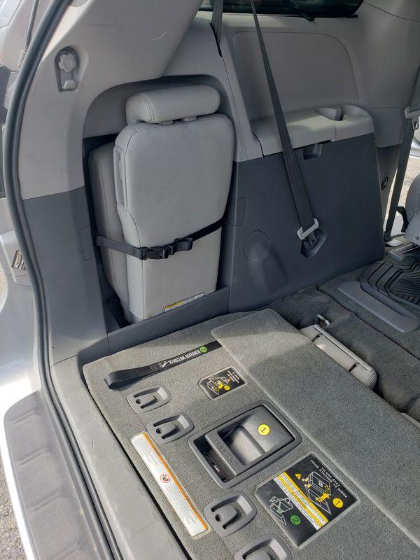 Car minivan