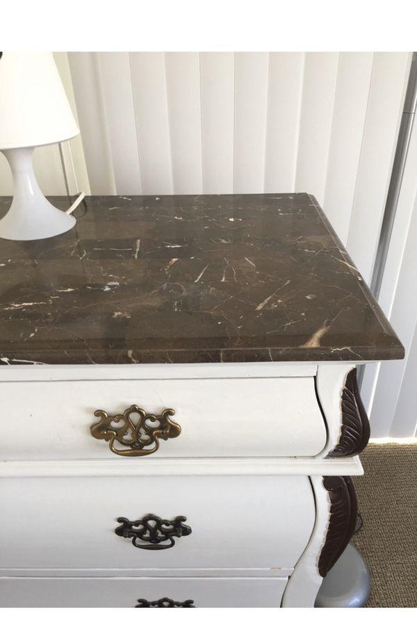 Dresser marmon
