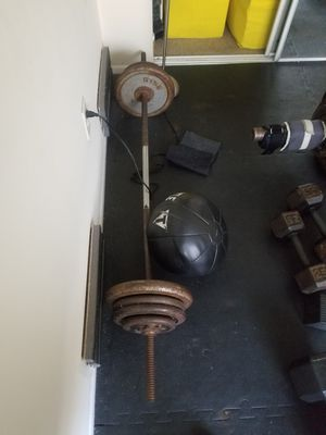 Barbell with weights and medicine ball for Sale in Los Angeles, CA
