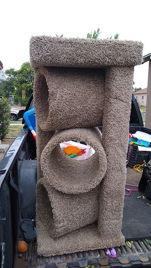 Pppp cat house for Sale in Fresno, CA