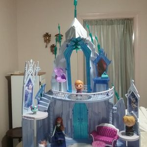 Disney Frozen Barbie Doll House for Sale in San Antonio, TX