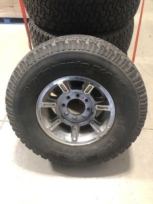 Set of 5 tires and rims 315 70 R17 for Sale in Cornelius, NC