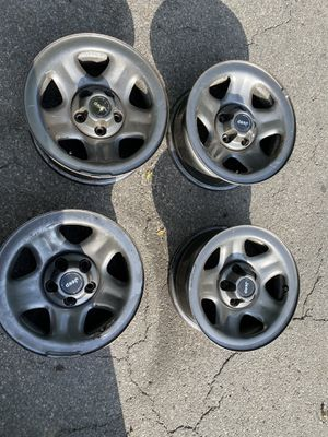 Jeep rims was on a 99 Jeep Cherokee for Sale in Cleveland, OH