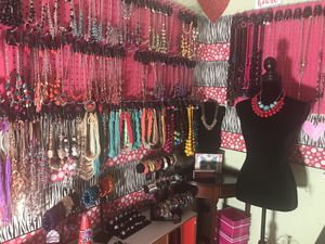 Aprovecha esta gran oportunidad de ser dueña de tu propio negocio en casa o donde estes for Sale in Aspen Hill, MD