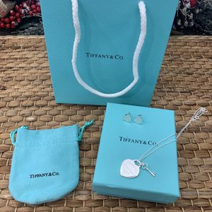 Tiffany & Co Earrings And Necklace for Sale in Laveen Village, AZ