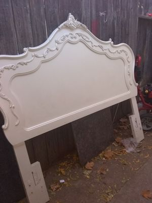 Queen or full size headboard color pearl for Sale in Sacramento, CA