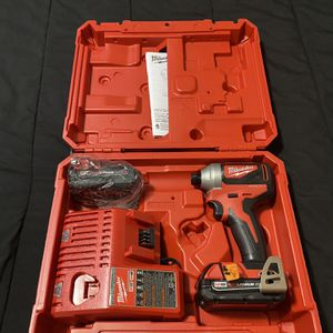 Milwaukee M18 impact driver kit with batteries charger and hardcase for Sale in Berkeley Township, NJ