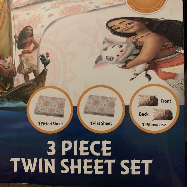 Moana 3PC Twin Sheet Set + Large Plush Blanket bundle