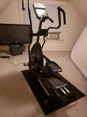 Nautilus E318 elliptical for Sale in Cleveland, OH