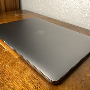 MacBook Pro w/ TouchBar | 3.1 GHz | 250 GB for Sale in Miami Gardens, FL