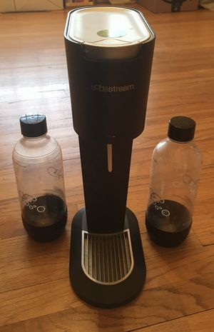 Soda Stream with CO2 Canister & 2 Bottles for Sale in Macungie, PA