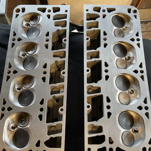 LS Aluminum Engine Heads 5.3l V8 for Sale in Des Moines, WA