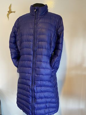 Patagonia women's puffer long jacket. Size L for Sale in Everett, WA