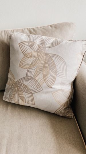 Throw pillows with pillow covers - Set of 4 for Sale in Philadelphia, PA