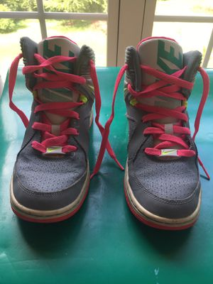 Girls Nike basketball shoes size 5.5 for Sale in Brentwood, TN