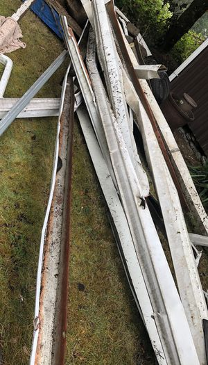 Free gutter pieces for Sale in Burien, WA