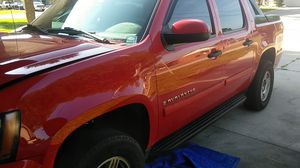 Parting out..2007 chevy avalanche for Sale in Deltona, FL