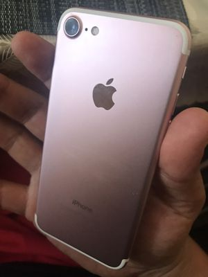 Rose gold iPhone 7 32gb working perfectly for T-Mobile and metro pcs carriers. Clean no pass for Sale in Santa Ana, CA