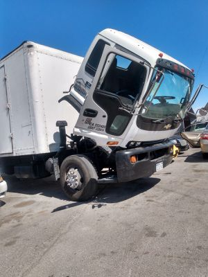 CHEVROLET TRUCK T-6500* 2004* DIESEL * AUTOMATICO* V6 IN LINE* 24 FEET LONG* A/C WORKS GOOD* CLEAN TITLE* IT RUNS AND DRIVES GOOD* SE HABLA ESPAÑOL* for Sale in Las Vegas, NV