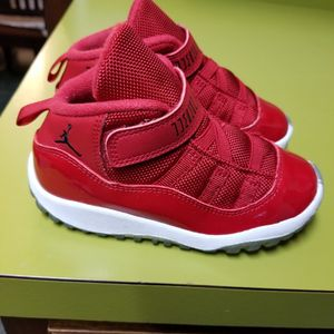 Baby Air Jordans Retro 11 Gym Red Size 9c for Sale in Indianapolis, IN