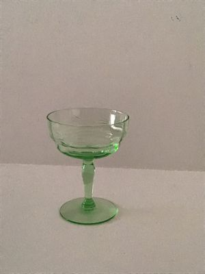 VINTAGE GREEN ETCHED DEPRESSION WINE GLASS for Sale in Cloudcroft, NM