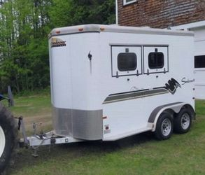 FULL PRICE; $1000 /INTERIOR EXCELLENT. LIKE NEW 2 HORSE TRAILER. for Sale in Columbus,  OH