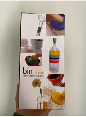 Bin 8 tools kitchen tool like bottle for Sale in Chicago, IL