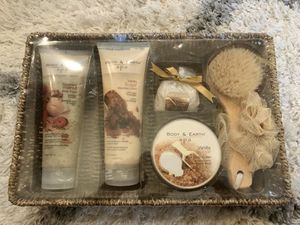 Body & Earth Spa package for Sale in Myrtle Beach, SC