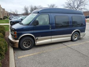 2001 chevy express 173k with sunroof for Sale in Brooklyn, OH