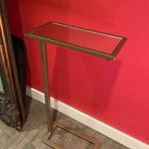 Gold Mirrored Side Table for Sale in Redondo Beach, CA