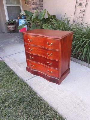 "VINTAGE 4DR. SERPENTINE CHEST (29""W × 17""D × 30""H) for Sale in Corona, CA"