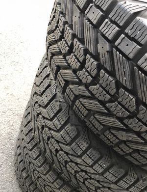 225/50r17 WINTER SNOW TIRES (ALL 4) for Sale in Yalesville, CT