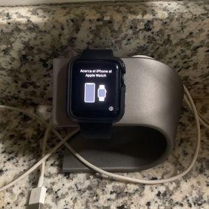 Unlocked Apple watch series 3 42MM for Sale in Houston, TX