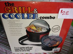 Grill and cooler combo. for Sale in Fort Myers, FL