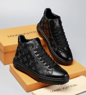 Authentic Louis Vuitton shoes for Sale in Cleveland, OH