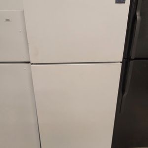 Maytag Top Freezer Refrigerator Used Good Condition With 90day's Warranty for Sale in Washington, DC