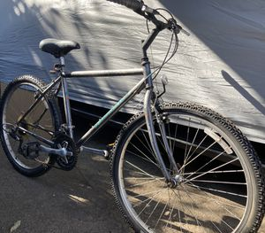 Specialized mountain bike 26 inch ready to ride for Sale in Norwalk, CA