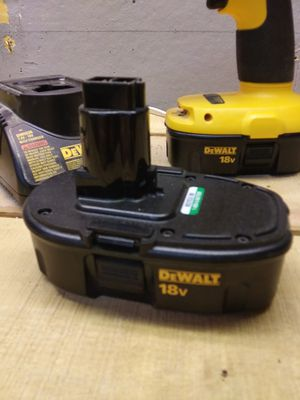 Almost new DeWalt drill with extra battery and charger for Sale in Moundsville, WV