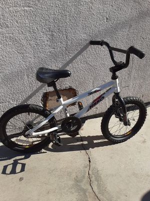 BOYS HARO Z16 FREESTYLE BIKE for Sale in Los Angeles, CA