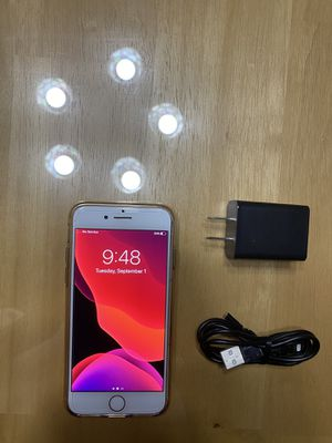 Unlocked Gold IPhone 8 64 GB for Sale in Upland, CA