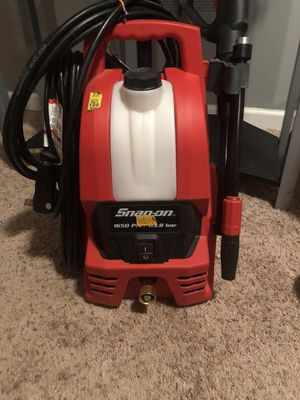 Snap on 1700 psi pressure washer for Sale in Lake Ridge, VA
