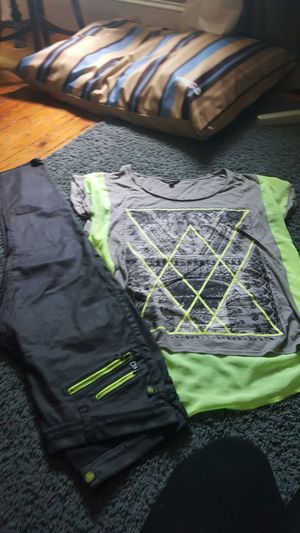 Rock & Republic oufit, shirt size xl, pants size 16 for Sale in Saginaw, MI